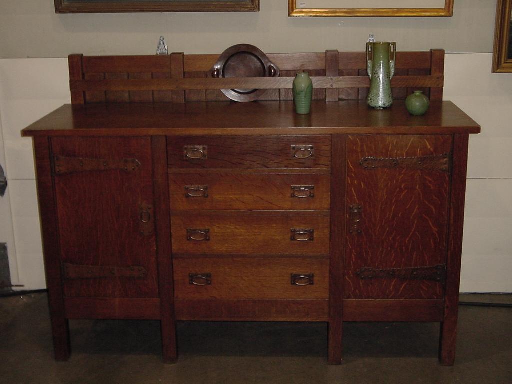 Voorhees Craftsman Mission Oak Furniture - Gustav Stickley vintage eight  leg sideboard - Voorhees Craftsman Mission Oak Furniture - Gustav Stickley Vintage