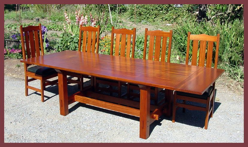 Shown with 5 chairs and leaves installed to demonstrate capacity of ten dining  chairs. Voorhees Craftsman Mission Oak Furniture   Gustav Stickley