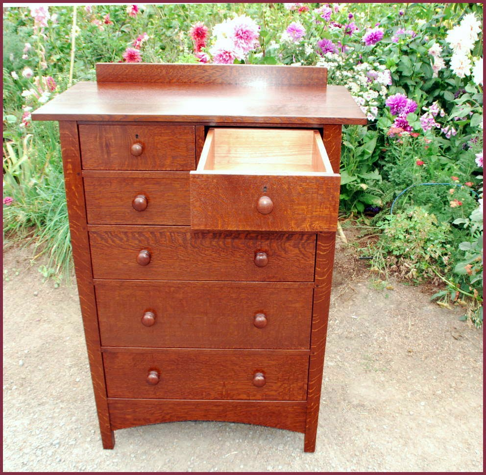 Shown With One Drawer Fully Extended. We Build Drawers With The Option Of  Traditional Drawers