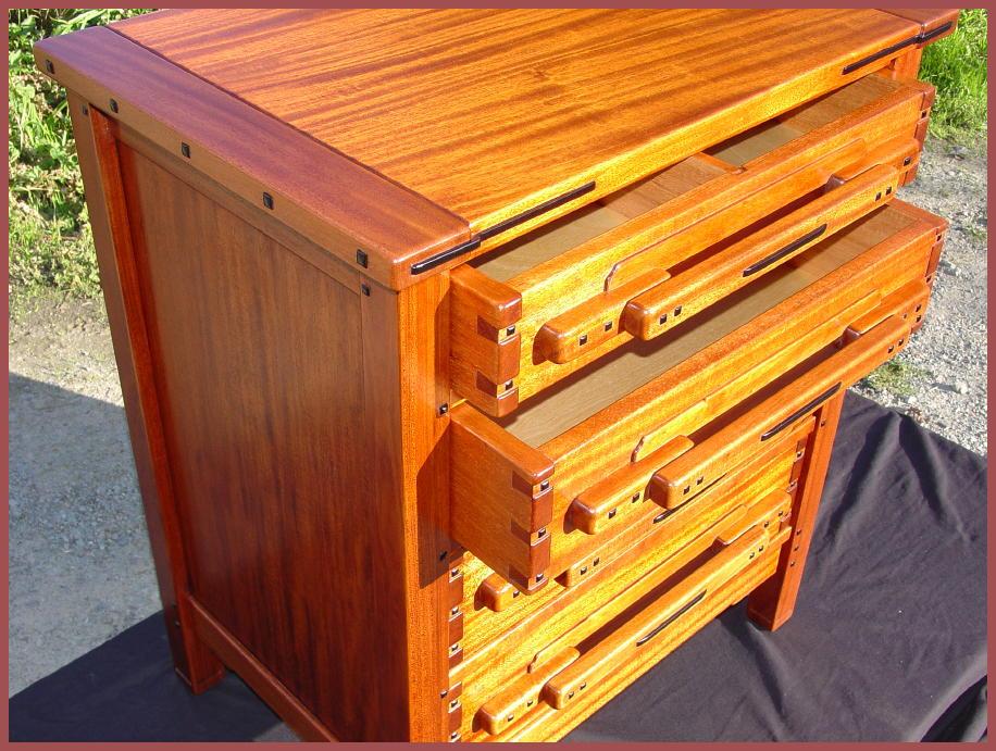 Voorhees craftsman mission oak furniture greene and for Greene and greene inspired furniture