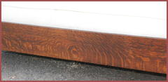 Detail front stretcher. Excellent quarter-sawn oak grain.