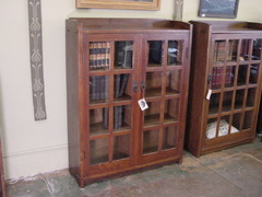 Gustav Stickley 2 door oak bookcase