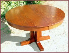 Original 1912 L.& J. G. Stickley  Prarie School Dining Table with 2 original leaves.