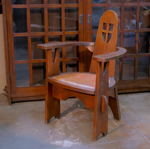 Arts and Crafts Vintage Oak Arm Chair with cutouts and through tenons.